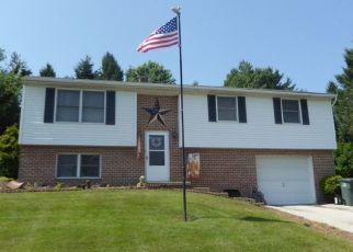 Casa en ejecución hipotecaria in Dallastown, PA, 17313,  TROY RD ID: P1396314