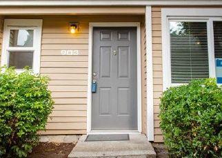 Casa en ejecución hipotecaria in Seattle, WA, 98198,  13TH PL S ID: P1396760