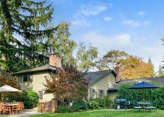 Casa en ejecución hipotecaria in Bainbridge Island, WA, 98110,  MEADOWLARK LN NE ID: P1403966