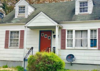 Casa en ejecución hipotecaria in Capitol Heights, MD, 20743,  ZELMA AVE ID: P1405126