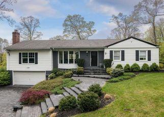 Casa en ejecución hipotecaria in Huntington, NY, 11743,  HENNESSEY DR ID: P1406280