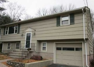 Casa en ejecución hipotecaria in Coventry, CT, 06238,  MARK DR ID: P1408787