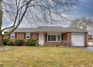 Casa en ejecución hipotecaria in Douglassville, PA, 19518,  LAURELWOOD DR ID: P1409187