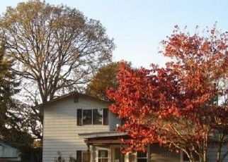 Foreclosure Home in Gladstone, OR, 97027,  W FAIRFIELD ST ID: P1411693