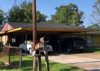 Foreclosure Home in Baton Rouge, LA, 70807,  68TH AVE ID: P1413319