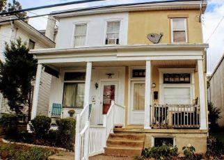 Casa en ejecución hipotecaria in Pennsburg, PA, 18073,  DOTTS ST ID: P1414915