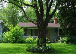 Casa en ejecución hipotecaria in Carpentersville, IL, 60110,  GRANADA RD ID: P1416269