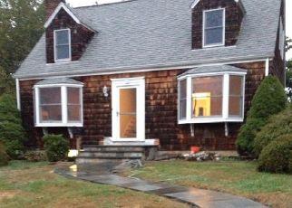 Casa en ejecución hipotecaria in Trumbull, CT, 06611,  KILLIAN AVE ID: P1425775