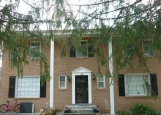 Casa en ejecución hipotecaria in Vienna, VA, 22180,  OLD COURTHOUSE RD NE ID: P1435733