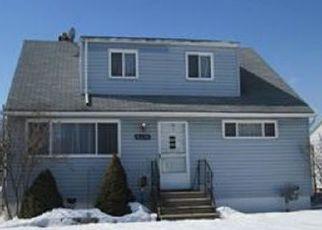 Casa en ejecución hipotecaria in Brook Park, OH, 44142,  ALMONT DR ID: P1440828