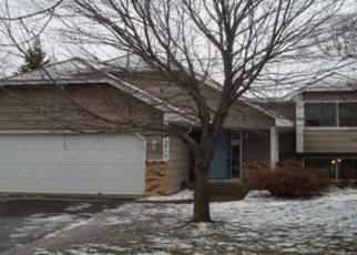 Casa en ejecución hipotecaria in Circle Pines, MN, 55014,  97TH LN NE ID: P1448681