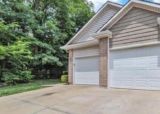Casa en ejecución hipotecaria in Lees Summit, MO, 64064,  NE AUSTIN DR ID: P1454203