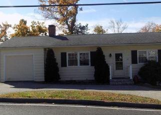 Casa en ejecución hipotecaria in Brookfield, CT, 06804,  CANDLEWOOD SHORES RD ID: P1455764