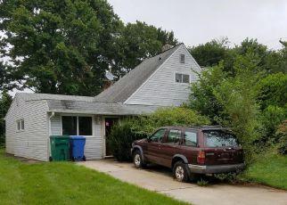 Casa en ejecución hipotecaria in Levittown, PA, 19055,  APPLETREE DR ID: P1457902