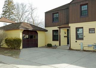 Casa en ejecución hipotecaria in Greendale, WI, 53129,  DALE LN ID: P1461140