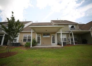 Casa en ejecución hipotecaria in North Charleston, SC, 29420,  FERNLAND WAY ID: P1462025