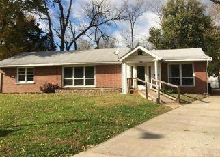 Casa en ejecución hipotecaria in Hazelwood, MO, 63042,  KENWOOD DR ID: P1462712
