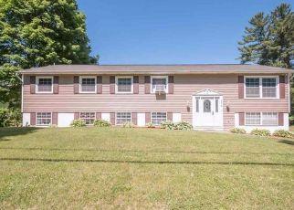 Casa en ejecución hipotecaria in Port Ewen, NY, 12466,  SALEM ST ID: P1470475