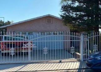 Casa en ejecución hipotecaria in Visalia, CA, 93291,  COMMERCIAL RD ID: P1475169