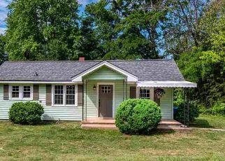 Casa en ejecución hipotecaria in Landrum, SC, 29356,  PINE AVE ID: P1475440