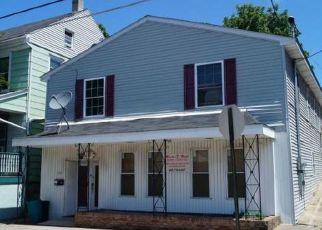 Casa en ejecución hipotecaria in Catasauqua, PA, 18032,  FRONT ST ID: P1476440