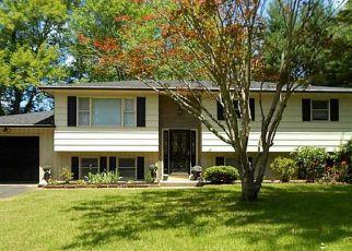 Casa en ejecución hipotecaria in Danielson, CT, 06239,  TAFT ST ID: P1479844