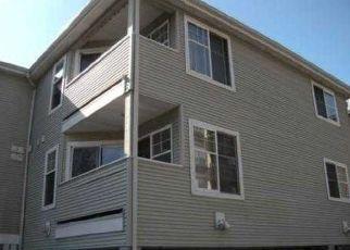 Casa en ejecución hipotecaria in Seattle, WA, 98122,  16TH AVE ID: P1481180