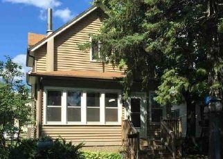 Casa en ejecución hipotecaria in Virginia, MN, 55792,  11TH ST S ID: P1483123