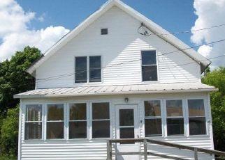 Casa en ejecución hipotecaria in Chateaugay, NY, 12920,  MONROE ST ID: P1485454