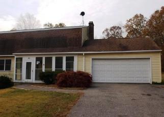 Casa en ejecución hipotecaria in Canterbury, CT, 06331,  BALDWIN BROOK RD ID: P1489728