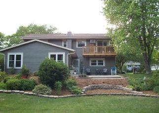 Casa en ejecución hipotecaria in West Bend, WI, 53090,  VILLA PARK DR ID: P1494466