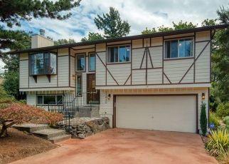 Casa en ejecución hipotecaria in Kirkland, WA, 98034,  87TH AVE NE ID: P1494855