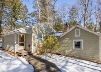 Casa en ejecución hipotecaria in Simsbury, CT, 06070,  WILLARD ST ID: P1503238