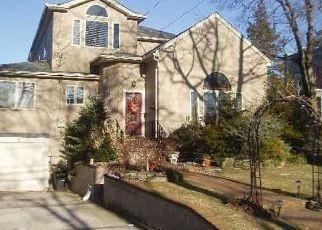 Casa en ejecución hipotecaria in Merrick, NY, 11566,  FRANKEL BLVD ID: P1504752