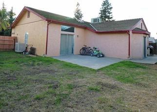 Casa en ejecución hipotecaria in Farmersville, CA, 93223,  W GARRETT AVE ID: P1512975
