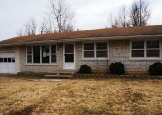 Casa en ejecución hipotecaria in Aurora, MO, 65605,  E PEARL ST ID: P1515240