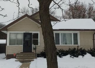 Casa en ejecución hipotecaria in Minneapolis, MN, 55406,  43RD AVE S ID: P1515332