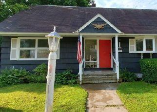 Casa en ejecución hipotecaria in Lake Luzerne, NY, 12846,  CHURCH ST ID: P1518368