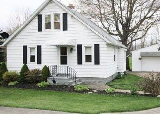 Casa en ejecución hipotecaria in Tallmadge, OH, 44278,  EASTWOOD AVE ID: P1519027