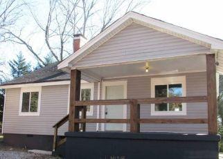 Casa en ejecución hipotecaria in Greenville, SC, 29607,  ACKLEY RD ID: P1519330