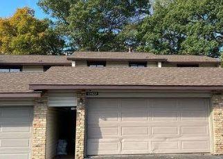 Casa en ejecución hipotecaria in Burnsville, MN, 55337,  HEATHER HILLS DR ID: P1522399