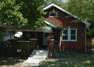 Casa en ejecución hipotecaria in Indianapolis, IN, 46222,  S TRAUB AVE ID: P1524116