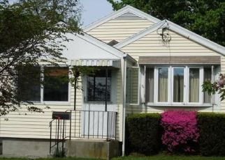 Casa en ejecución hipotecaria in Fairfield, CT, 06825,  ROSEVILLE ST ID: P1525027