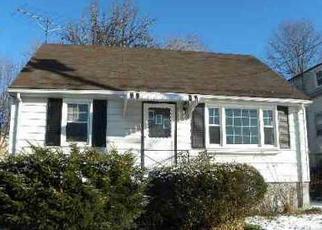 Casa en ejecución hipotecaria in Stratford, CT, 06615,  MASARIK AVE ID: P1525031