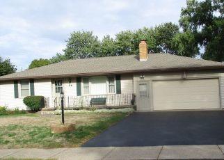 Casa en ejecución hipotecaria in Rochester, NY, 14617,  GALAXY DR ID: P1530982