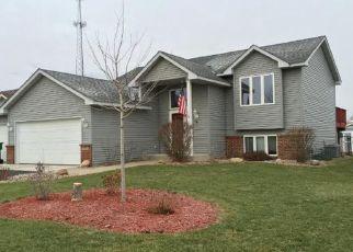 Casa en ejecución hipotecaria in Belle Plaine, MN, 56011,  S CEDAR ST ID: P1531702