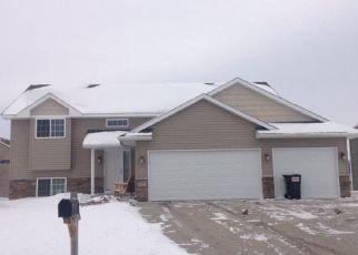Casa en ejecución hipotecaria in Belle Plaine, MN, 56011,  PHEASANT CT ID: P1531752