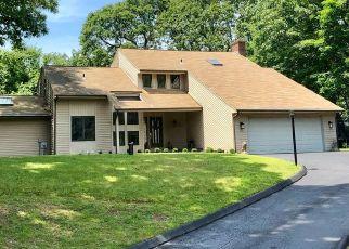 Casa en ejecución hipotecaria in Old Lyme, CT, 06371,  WILDWOOD DR ID: P1535002