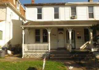 Casa en ejecución hipotecaria in Clifton Heights, PA, 19018,  E WASHINGTON AVE ID: P1538075