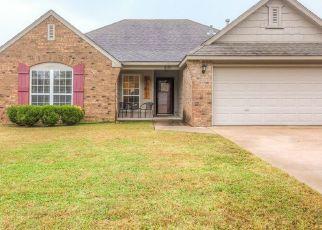 Foreclosure Home in Collinsville, OK, 74021,  W WALNUT ST ID: P1541382